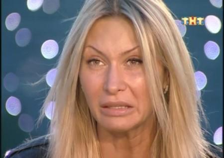 Элина Корякина снова вернулась на Дом 2, и получила от Самсонова по голове