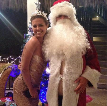 Виктория Боня встретила Новый год в компании Санты Клауса