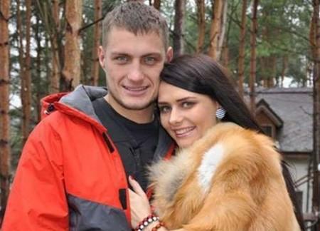 Бывший участник Дом 2, Саша Задойнов, бросил свою беременную девушку?!