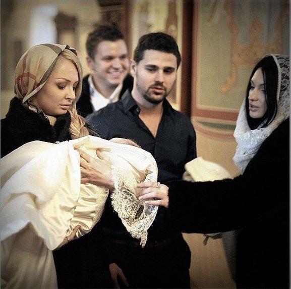 Феофилактова и Гусев крестили сына. Фото от Гусева.