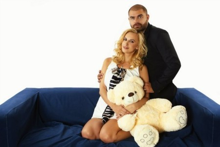 Оля Гажиенко пытается заработать на своем ребенке кругленькую сумму денег?!