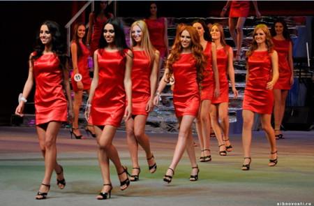 Новенькая-Дарья-в-конкурсе-Мисс-Красноярск-2011-3