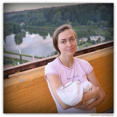 Мария Адоевцева: первая неделя ребенку. Фото