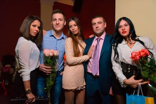 Алексей Адеев на дне рождения любимой