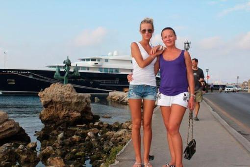 Кристина Лясковец с мамой в Испании