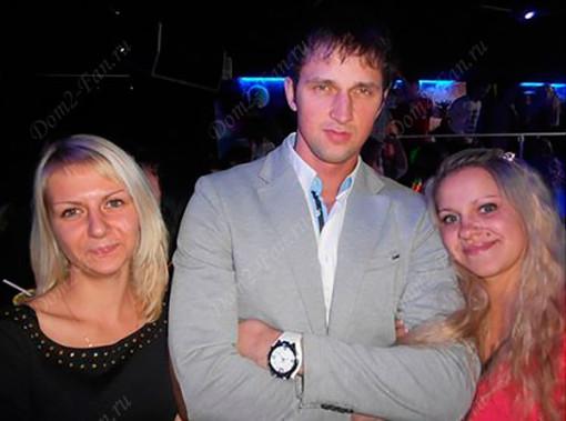 Сергей Сичкар с поклонницами