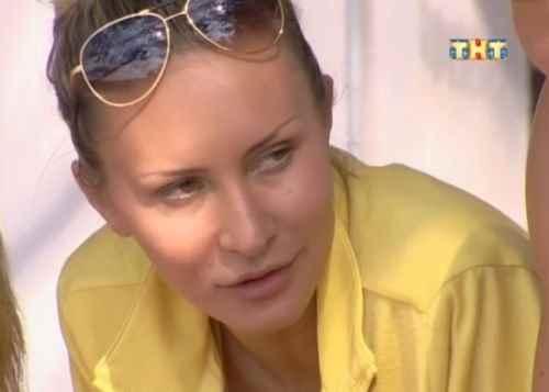 Элина Карякина требует телохранителя и домработницу?!