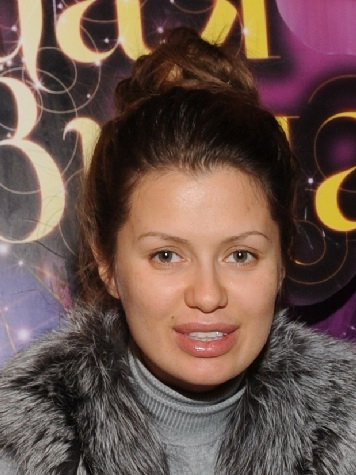 Виктория Боня показала фото без макияжа.