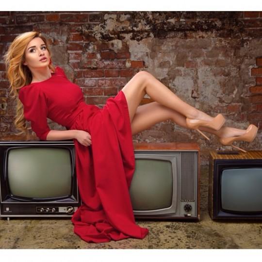 Ксения Бородина в фотосессии для Модного Дома Yulia Prokhorova.