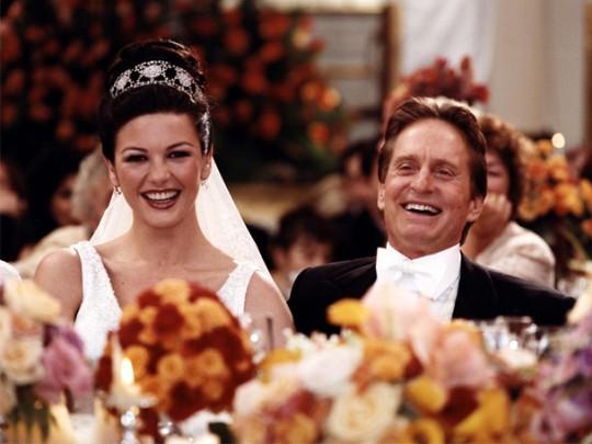 Майкл Дуглас и Кэтрин Зета-Джонс сыграют свадьбу.