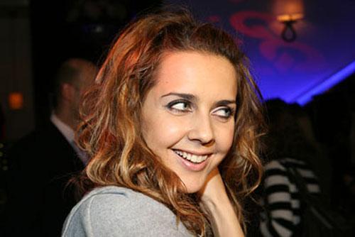 Ольга Шелест вышла замуж за Алексея Тишкина.