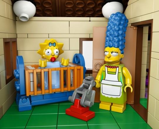 The-Simpsons-House-LEGO-10-650x529