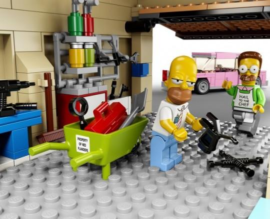 The-Simpsons-House-LEGO-14-650x529