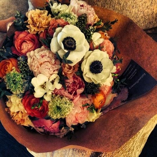 Постель Ксении Бородиной усыпали лепестками роз.