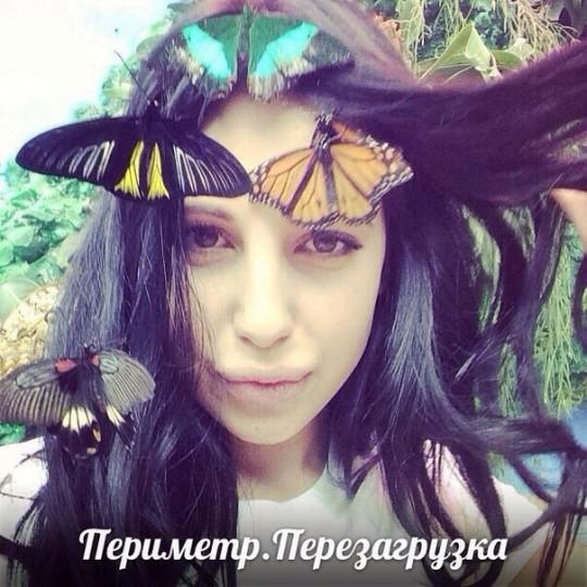 Варя, бабочки и змеи