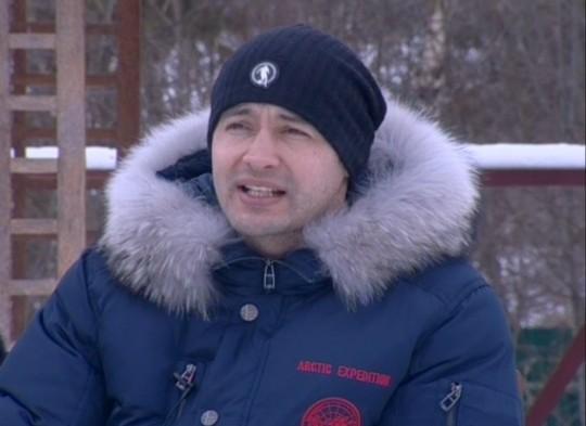Андрей Черкасов издевается над своей девушкой?!