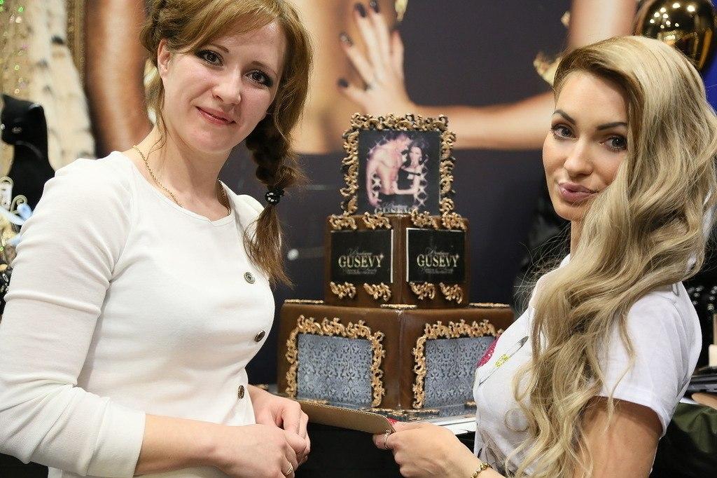 Торт на открытие нашего второго магазина GUSEVY