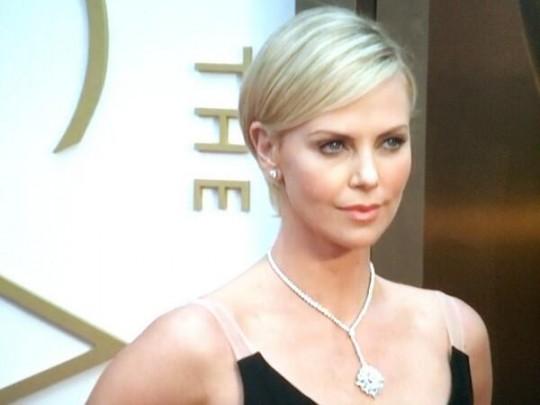Шарлиз Терон стала королевой вечера вручения премии «Оскар».