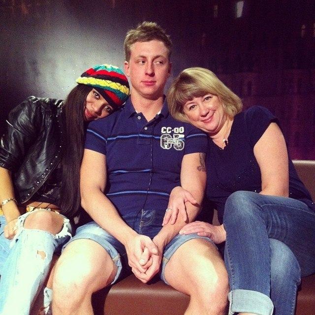 Почему Людмила Валериевна решила срочно вернуться на Дом 2?!