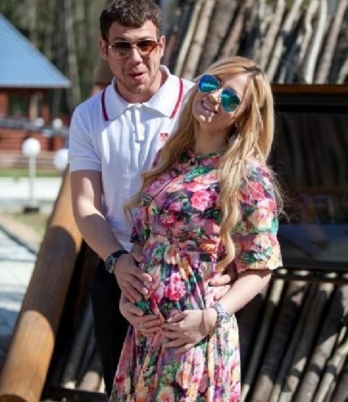 Диана Игнатюк готовится стать мамой и продолжает гнобить Валерку?!