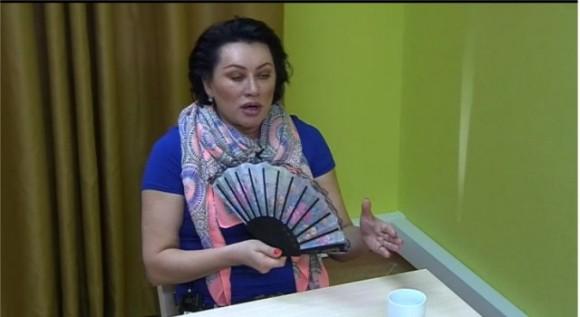 Мама Карякиной обрекает внука на нищету?!