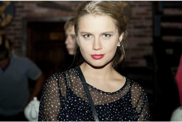 Звезда «Папиных дочек» Мельникова снялась в клипе