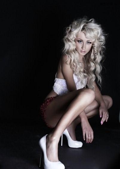lilya-kish-erotika-foto-arti-zhenskih-popok