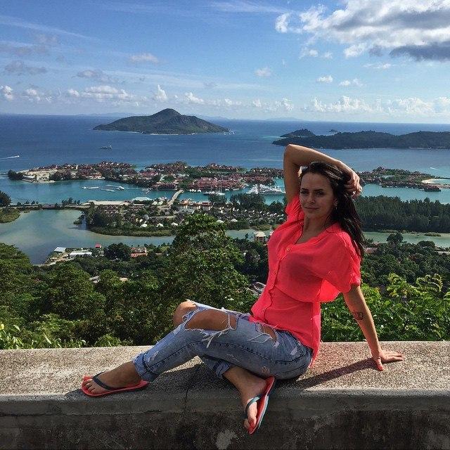 больше фото романец на острове данного