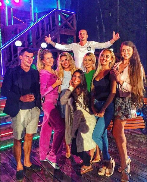 Ирина Дубцова на вечеринке дома 2