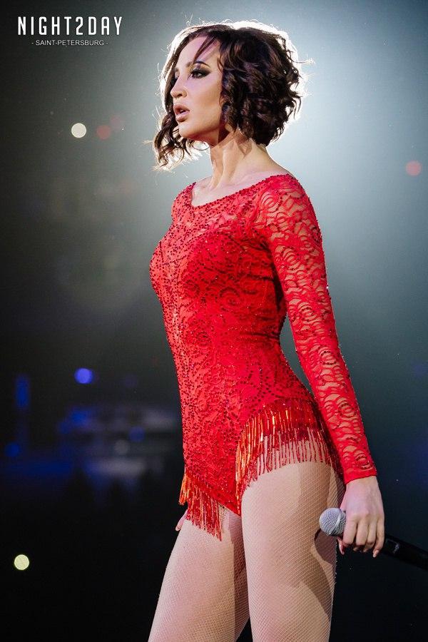 Бузова сделала революцию на Big Love Show 2018затмила коллегисполнителей на сцене