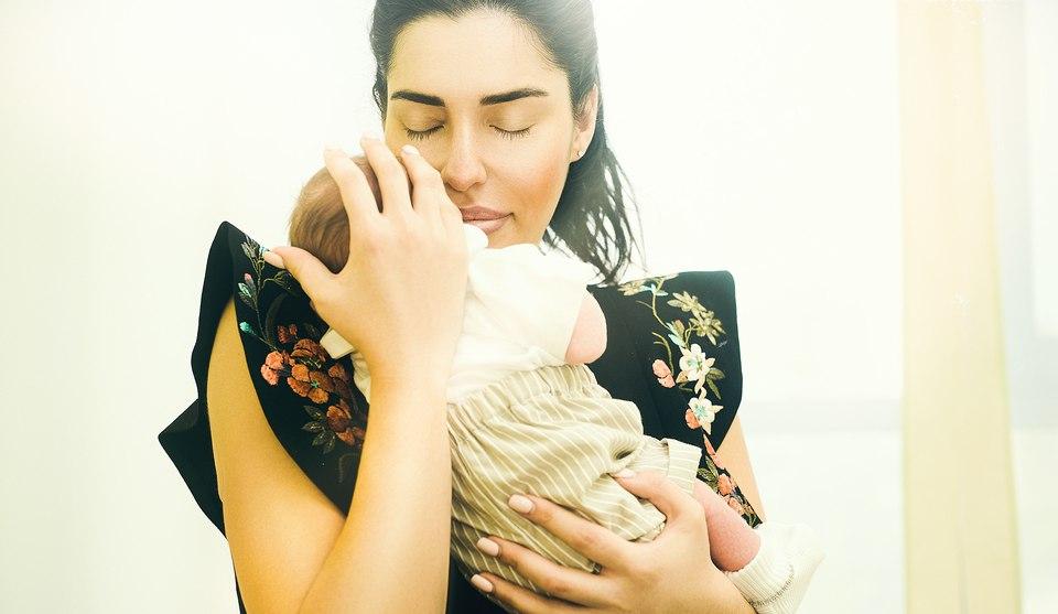 Лиза Шароха впервые показала отца своего ребенка