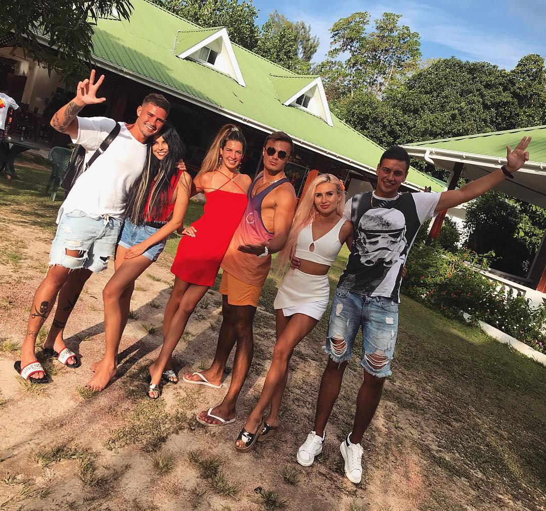 Бывшие участники и новые + ведущие дом 2. Фото 06.10.2018