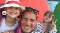 Бывший участник Александр Задойнов проводит лето с дочерьми Сашей и Настей