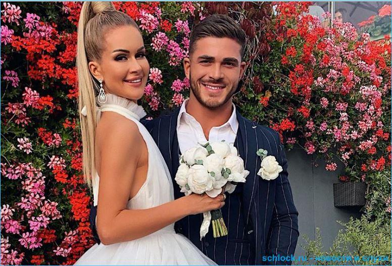 Марина Африкантова и Роман Капаклы отправились в свадебное путешествие в Париж