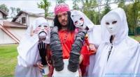 Участник телепроекта дом 2 Родион Толочкин в сложных ситуациях входит в транс