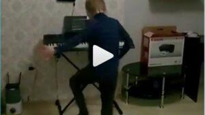 Веселый танец племянника экс-участника дома 2 Саши Гобозова