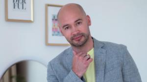 Ведущий дома 2 Андрей Черкасов порадовался новости об увольнении Черчесова с поста тренера сборной России